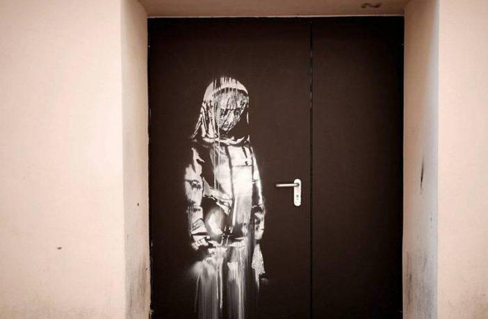 Banksy'nin-Paris'te-Bataclan-Duvarına-Yaptığı-Resim-Çalındı