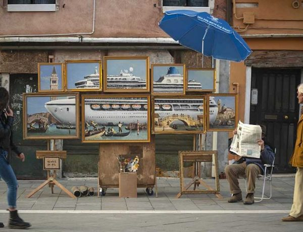 Banksy Davet Edilmediği Venedik Bienali'ne Sızdı